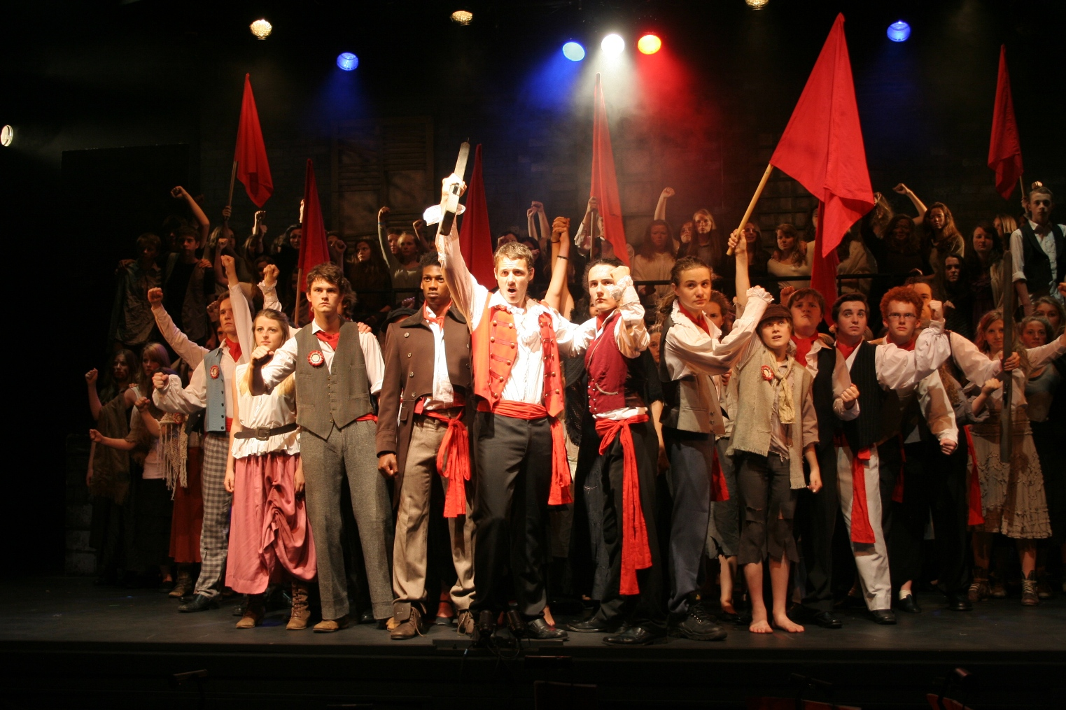 Les Mis&233rables Wows Ivybridge Audiences  The Plymouth Daily