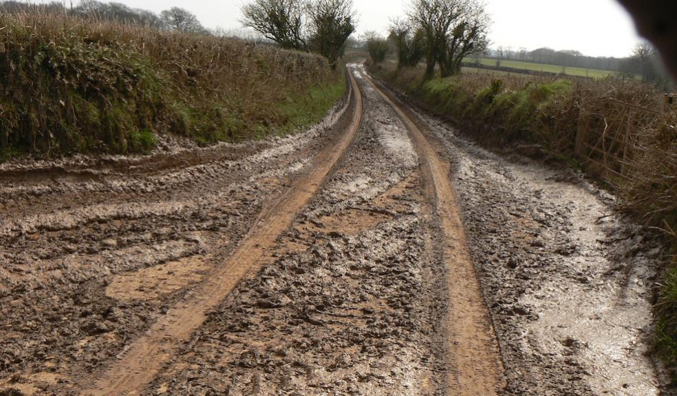 Muck on country roads caused by vehicles carrying liquid digestate to ADs  (photo: Devon CPRE)